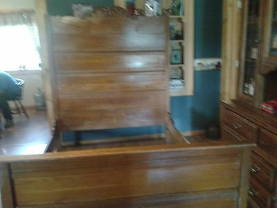 Antique 3/4 Oak Headboard and frame