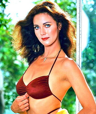 1970's LYNDA CARTER color glamour sexy period photo (Celebrities & Musicians)