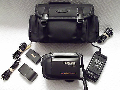 PANOSONIC VHS-C Camcorder  Model PV-L557 +  Case and Accessories
