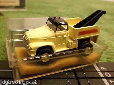 ITB AURORA MoDEL MoToRING Transitional Tow Truck Slot Car for Race Track Sets