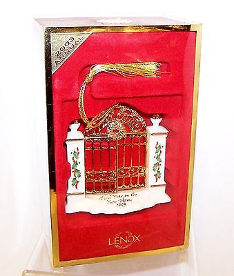 NEW 2003 LENOX Detailed FIRST YEAR in the NEW HOME w/HOLLY & Gold Ornament w/Box