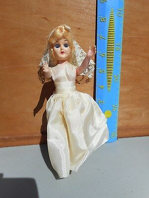 Vintage blue Eye Bride Doll  Gown Veil eyes open / close