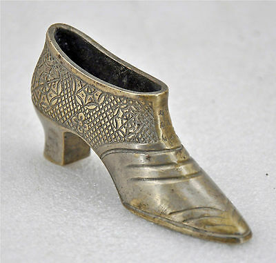 1900s Indian Anitque Hand Crafted Brass Nickel Coated Shoe Shape Ash Tray