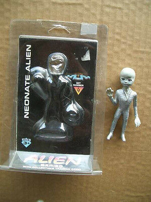 1996 Neonate Alien Set Number 4 - Original Package & Collectible Trading Card!