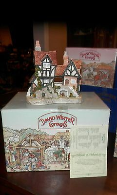RARE VINTAGE COLLECTIBLE DAVID WINTER COTTAGES WILL-O-THE WISP NIB!
