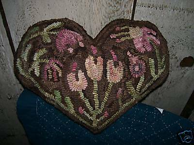 Primitive Rug Hooking Pillow Pattern~Chocolate Floral Heart~Hooked on Primitives