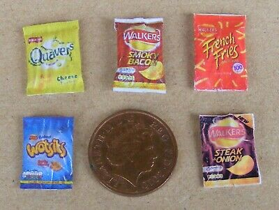 1:12 Scale 5 Packets Of Mixed Crisps Dolls House Miniature Pub Food Snack B
