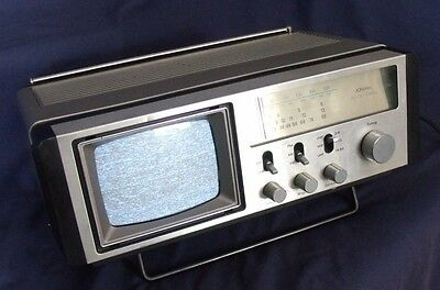 Vintage JC Penny Portable AC/DC or Battery Powered TV/Radio