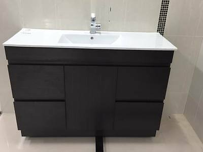 CLEARANCE Melbourne Soft Closing 1200mm Bathroom Vanity with Ceramic Top