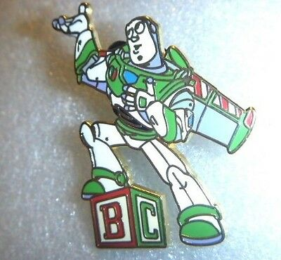 WDW - Booster Collection Disney-Pixar's Toy Story 4 Pin Set Buzz Lightyear only
