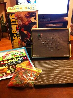 Vintage 1973 Lite Brite 750 Pegs  Paper and Box 5455 Light Bright Works Great