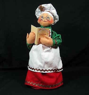 "NEW!! 2008 ANNALEE 13"" MRS BAKING BAKER CHRISTMAS --- RED GREEN WHITE CLOTHES"