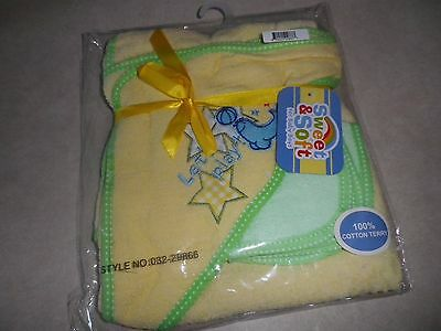 Yellow Stars Hooded Towel with Washcloth Set 100% Cotton  Great Baby Shower Gift