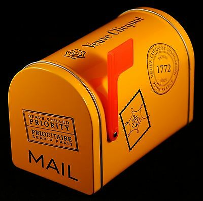 Champagne Veuve Clicquot Ponsardin: American Mailbox Small Version Display NEW
