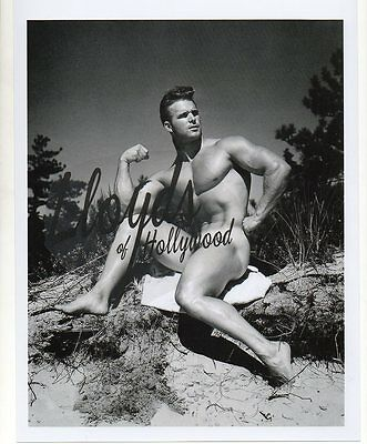 VIC SEIPKE  BEEFCAKE BODYBUILDER  MALE NUDE AT BEACH PHOTOGRAPH  1953