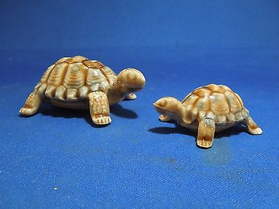 Vintage Porcelain Set of 2 Baby Tortoises By Wade of England
