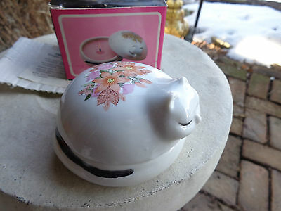 Reading China & Glass Sleeping Samantha Cat Scented Candle w Floral Design new