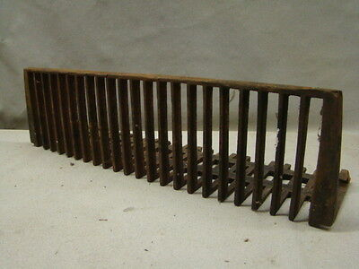 Vintage/Antique LATE 1800'S Cast Iron Fireplace Grate Insert Log Holder HUGE B