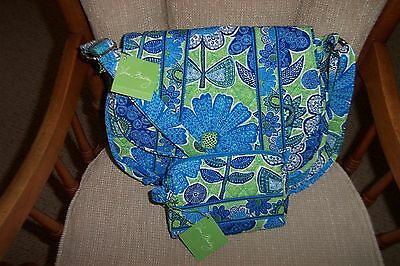 NEW VERA BRADLEY SADDLE UP IN DOODLE DAISY &  SMALL COSMETIC BAG REDUCED TO SELL