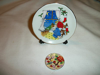 Lot of 2 Miniature Porcelain Plates ~ Gold Trim ~ One With A Stand ~ LOOK HERE!