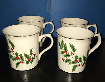 Macys All The Trimmings CHRISTMAS HOLLY Porcelain Mugs (4)  *** NEW ***