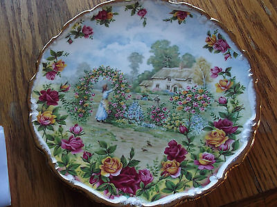 1986 ROYAL ALBERT OLD COUNTRY ROSES ANNIVERSARY PLATE, CELEBRATING 25 YEARS