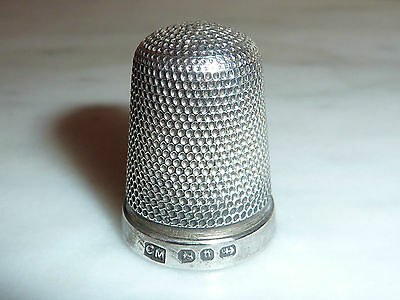 ANTIQUE SOLID SILVER THIMBLE CC MAY AND SONS 1912. BIRM