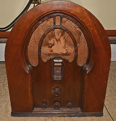 Philco Model 16 AM & Short Wave Cathedral Table Radio - 1930's