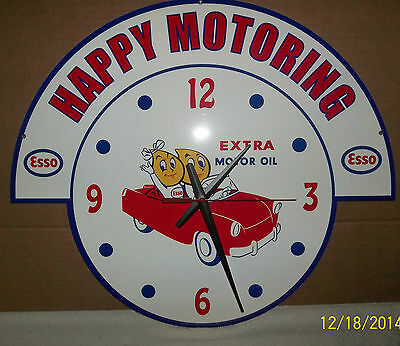 Very Nice Esso Gas Clock. Has Great Graphics of the Esso Kids, Very Glossy