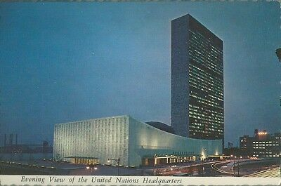 "4"" X 6"" VINTAGE NEW YORK CITY UNITED NATIONS POSTCARD PLASTICHROME 1980'S"