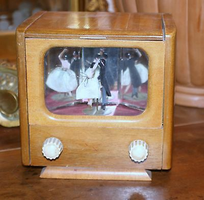 FRENCH VINTAGE DANCING COUPLE BALLERINA MUSIC BOX CIGARETTE HOLDER TELEVISION
