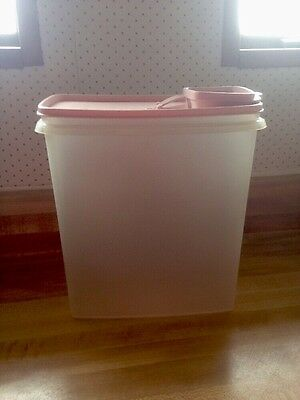 Vintage 2 PC Tupperware Cereal Storer 1588-6 Container Pink Lid