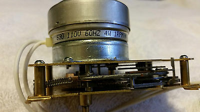 New Synchron AC Clock Motor with Correction Movement