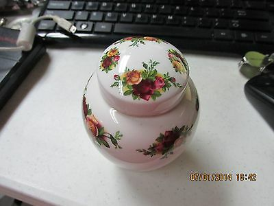 "Royal Albert ""Old Country Roses"" Bone China Lidded 4"" Vase / Jar"