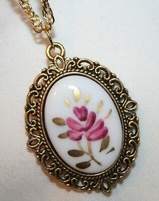 Lovely Hand-Painted Pink Gold Flower Cloisonne Cameo Goldtone Pendant Necklace