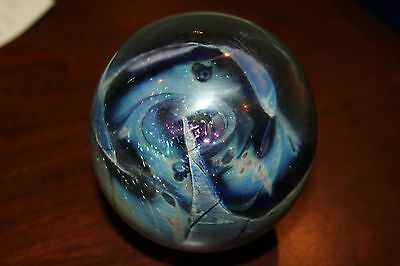 Vintage 1982 Robert Eickholt signed glass paperweight Made in the USA