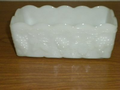 VINTAGE ANCHOR HOCKING FIRE KING MILK GLASS GRAPES & LEAVES PATTERN PLANTER bx32