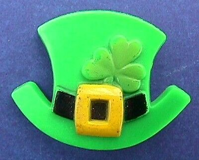 St PATRICK Day PIN Irish TOP HAT with SHAMROCK Vintage Brooch Costume Jewelry