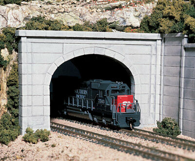 Woodland Scenics N Scale Tunnel Concrete Double Portal (2) C1156