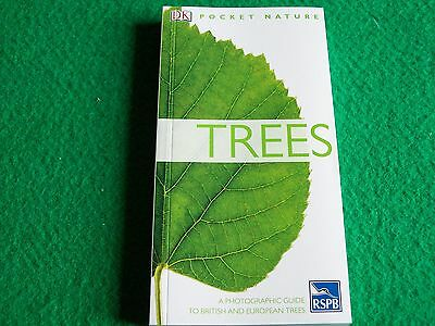 Trees: Allen Coombes: New Nature Paperback