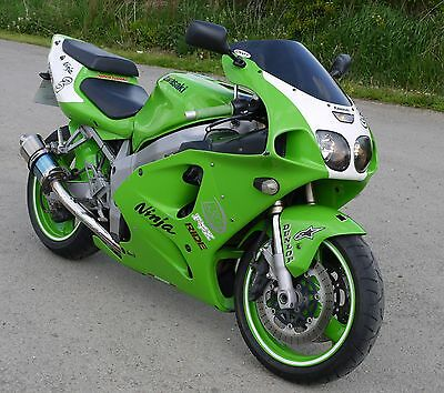 Kawasaki Lime Green ZX9R ZX6R Ninja Touch Up Paint 15ml Code: 617 Brush in Lid