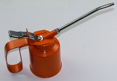 Oil can 1/4 pint size clockmakers oiler tool quarter pint trigger handle