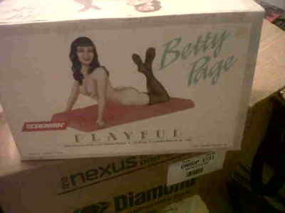 "Bettie Page ""playful Betty Page"" Limited Edition  Resin Model Figure 1992"