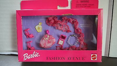 NEW Barbie Fashion Avenue Accessories Pack PARTY IN PINK Scarf Necklace Bag Shoe