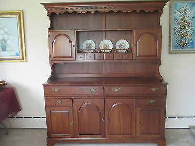 @@VINTAGE Pennsylvania House Solid Cherry China Hutch Cabinet LARGE