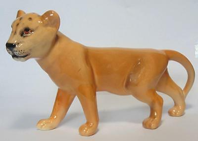 Beswick Lion Cub - Facing Left Model 2098 Golden Brown Gloss Version
