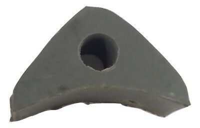 ukscooters LAMBRETTA HT THROTTLE CABLE GROMMET GREY RUBBER TRIANGLE GREY SIL