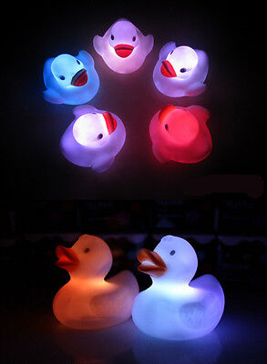HO 1X Baby CA Kids  Toy Multi Color Changing Duck Flashing LED Lamp