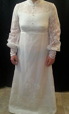 Vintage 1970 Wedding Dress White Lace Applique Detachable Train {620-C}