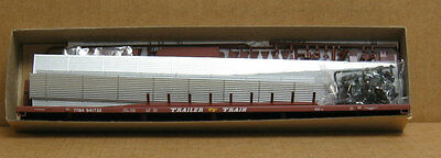 Accurail 9413 HO C&NW 89' auto rack w/panels